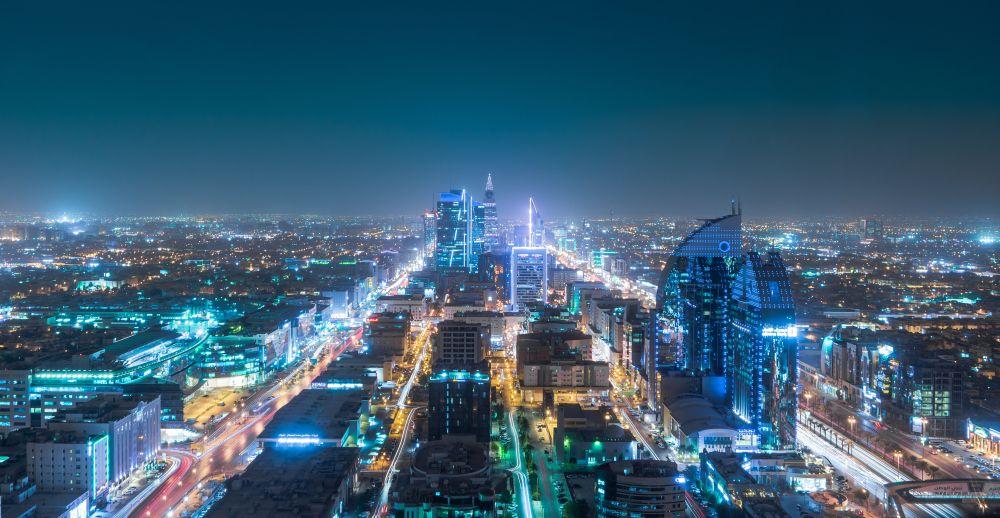 الحكومة السعودية تخطط لدعم ما يصل إلى 50 في المئة من الرواتب في القطاع الخاص