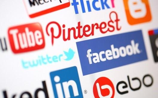 هل يشكّل الإنترنت خطرًا على الخصوصية ؟ [مناقشات ومضة]