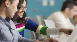 'فايسبوك' يطلق 'بلو برينت' لتدريب لشركات الناشئة وغيرها من  الميزات