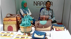 Fixing Egypt's waste crisis one handbag at a time