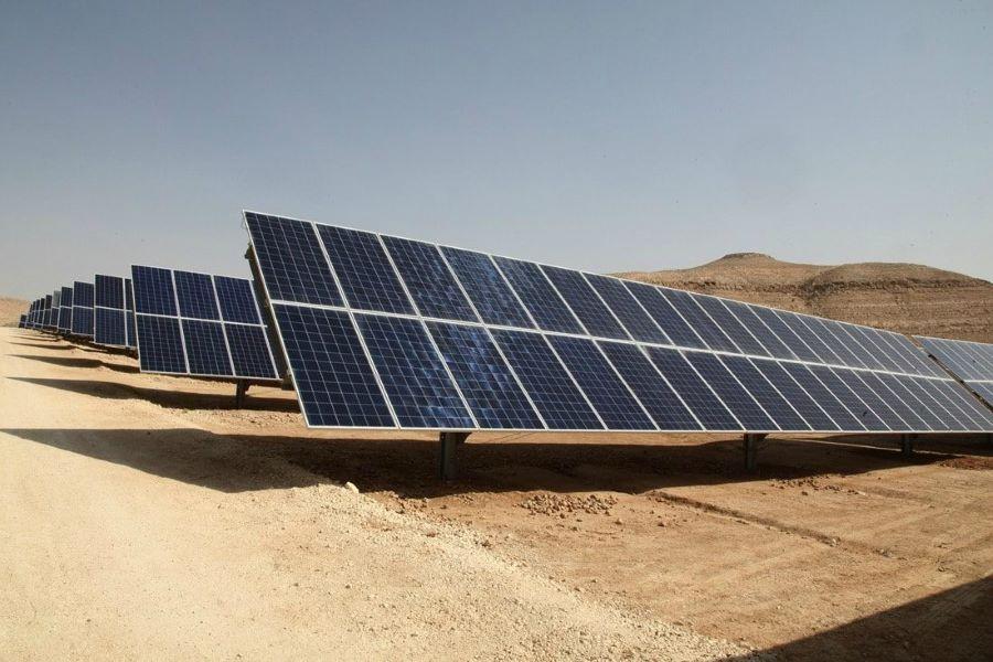 تُمكِّن شركة يلو دوور اينيرجي الإماراتية الشركات من الاعتماد على الطاقة الشمسية