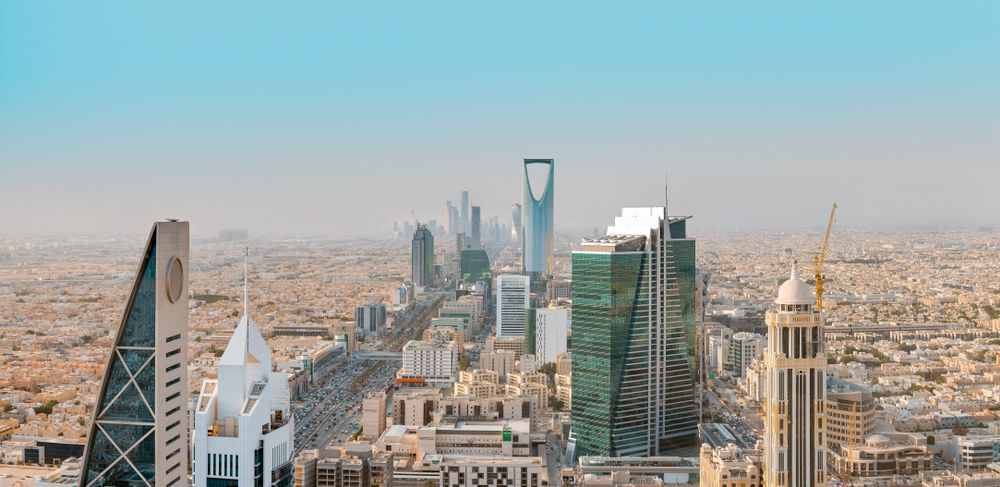 Saudi Cabinet approves the residency permit for skilled expatriates, investors