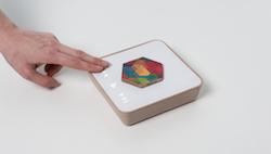 Qleek, l'OVNI en bois qui veut réconcilier vinyl et musique digitale, lance sa campagne IndieGogo